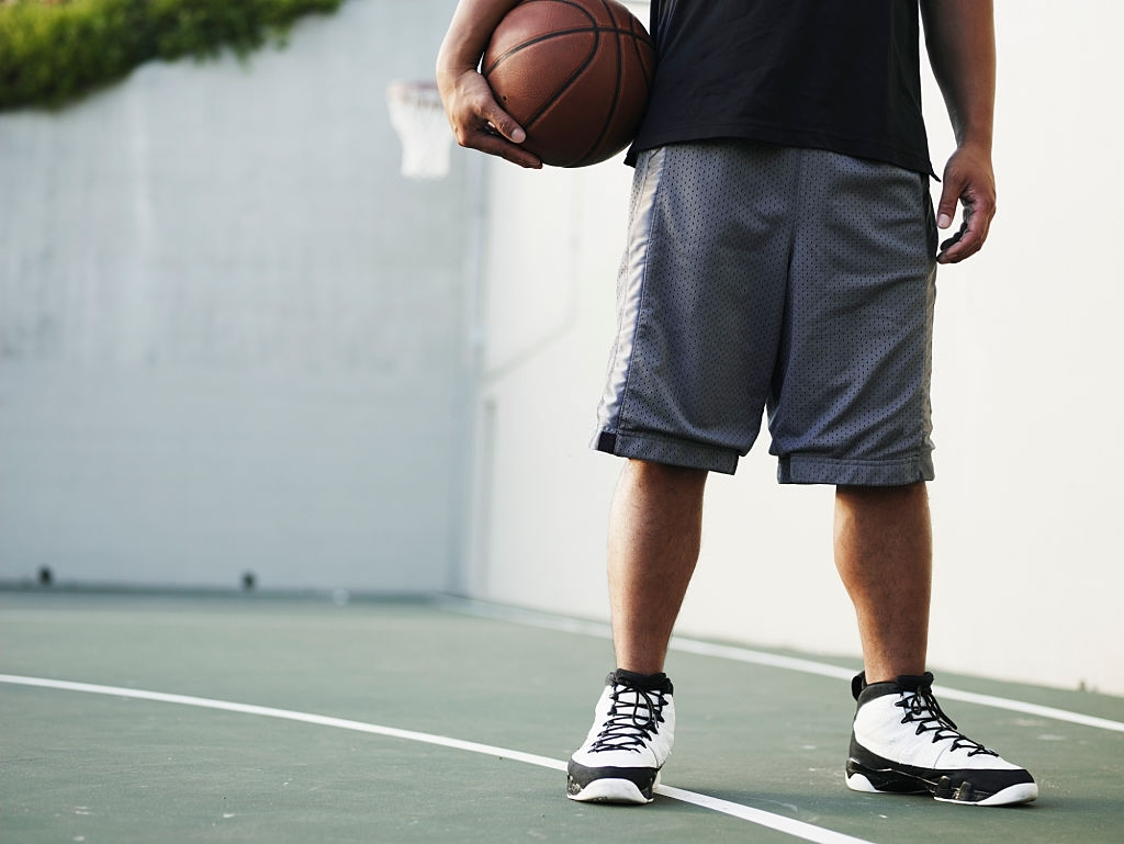 Best Basketball Shoes for Flat Feet: Nike, Adidas, Under Armour or Jordan Air